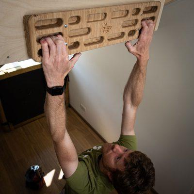 deWoodstok training hangboard woodbord made from bamboo